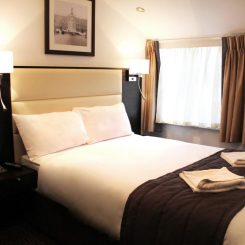 Double Bed - Hotel Edward London