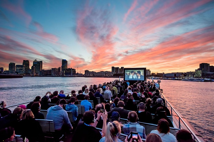 London Outdoor Cinemas in the cool night air